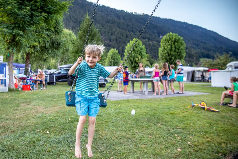14 child-friendly campsites in the heart of the Bernese Oberland, Switzerland, offer everything for perfect camping holidays with the entire family.